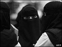 saudi_women.jpg